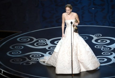 03-jennifer-lawrence-da-oscar-2013-mighlior-attrice