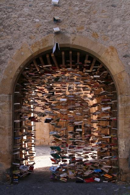 Book gate